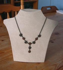 necklace-display-front